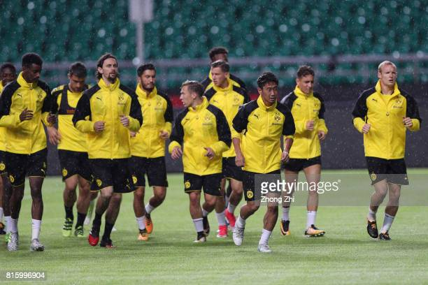 Shinji Kagawa and teammates of Dortmund in action during a training session ahead of the 2017 International Champions Cup football match between AC...