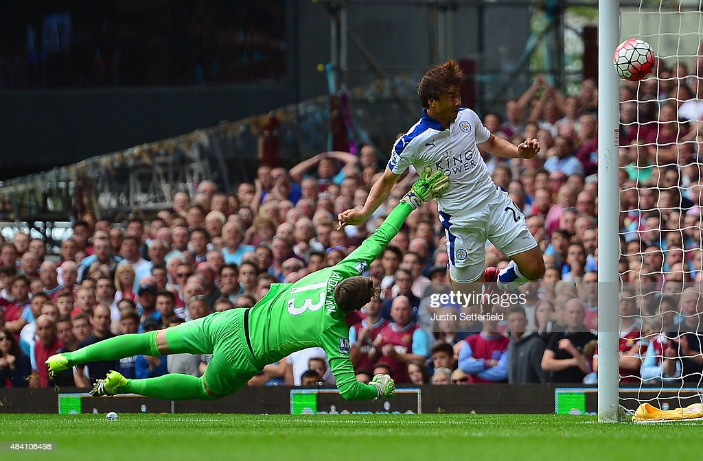 <a gi-track='captionPersonalityLinkClicked' href=/galleries/search?phrase=Shinji+Okazaki&family=editorial&specificpeople=4320771 ng-click='$event.stopPropagation()'>Shinji Okazaki</a> of Leicester City scores his team's first goal during the Barclays Premier League match between West Ham United and Leicester City at the Boleyn Ground on August 15, 2015 in London, United Kingdom.