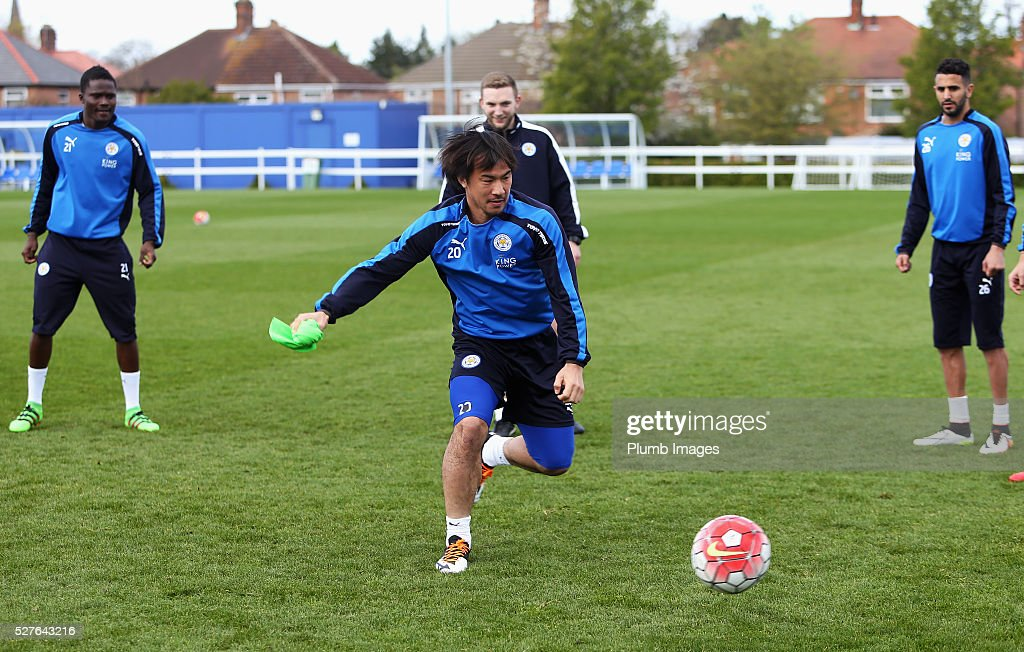 <a gi-track='captionPersonalityLinkClicked' href=/galleries/search?phrase=Shinji+Okazaki&family=editorial&specificpeople=4320771 ng-click='$event.stopPropagation()'>Shinji Okazaki</a> of Leicester City trains during a Leicester City training session at Belvoir Drive Training Ground on May 3, 2016 in Leicester, England.
