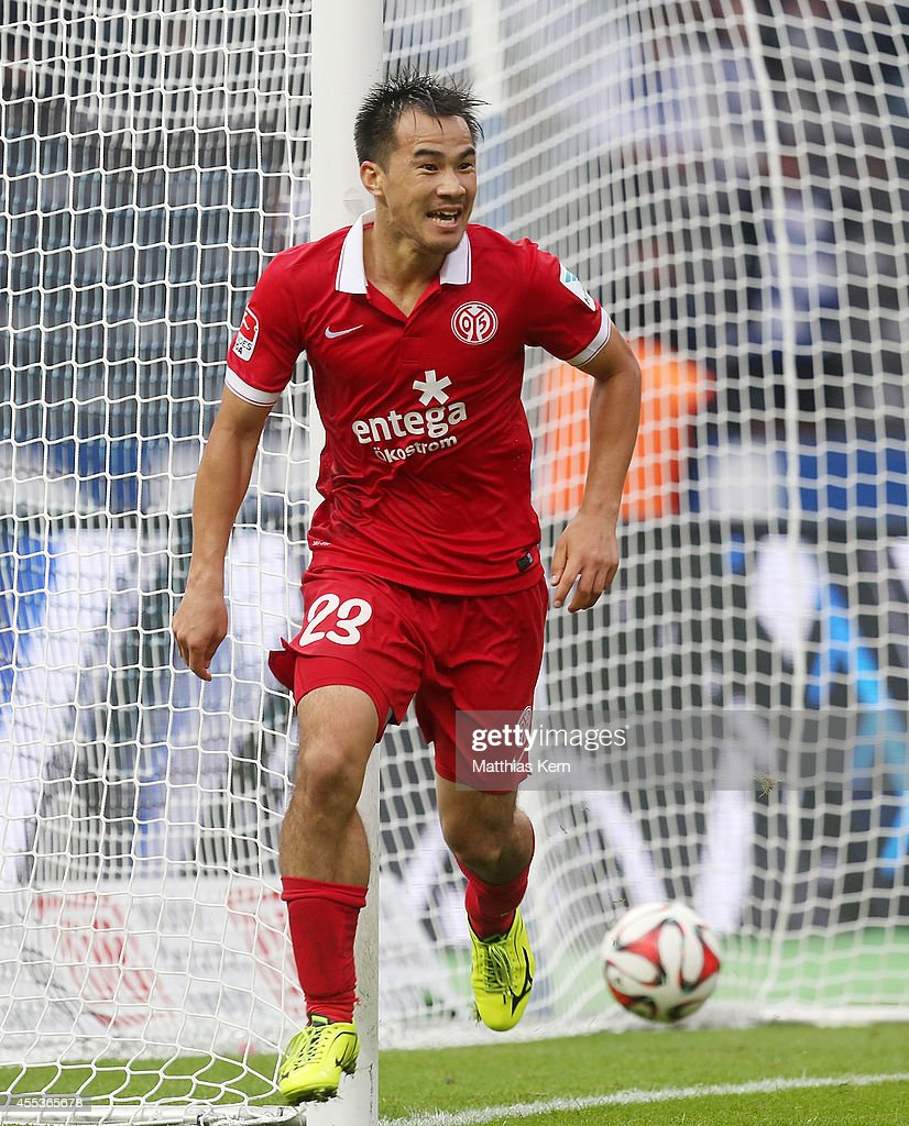 <a gi-track='captionPersonalityLinkClicked' href=/galleries/search?phrase=Shinji+Okazaki&family=editorial&specificpeople=4320771 ng-click='$event.stopPropagation()'>Shinji Okazaki</a> of Mainz jubilates after scoring the fourth goal during the Bundesliga match between Hertha BSC and 1.FSV Mainz 05 at Olympiastadion on September 13, 2014 in Berlin, Germany.