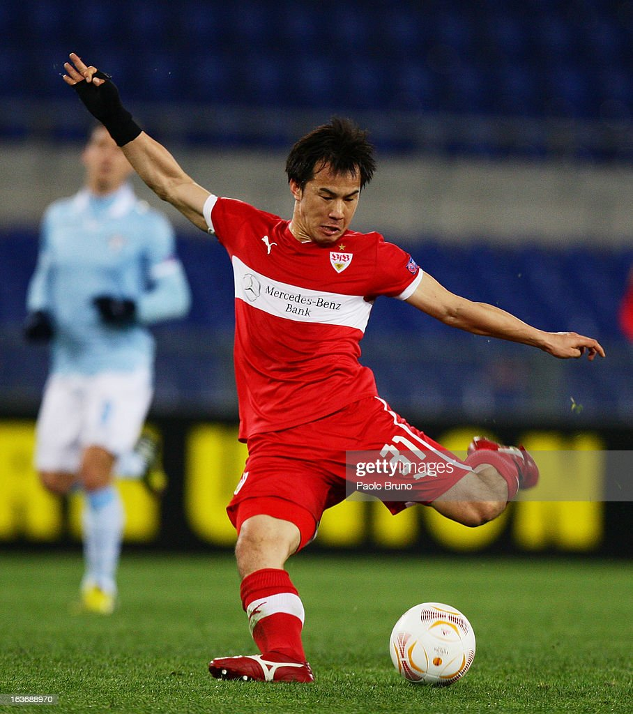 Shinji Okazaki of VfB Stuttgart kicks the ball during the UEFA Europa League Round of 16 second leg match between S.S. Lazio and VfB Stuttgart at Stadio Olimpico on March 14, 2013 in Rome, Italy.