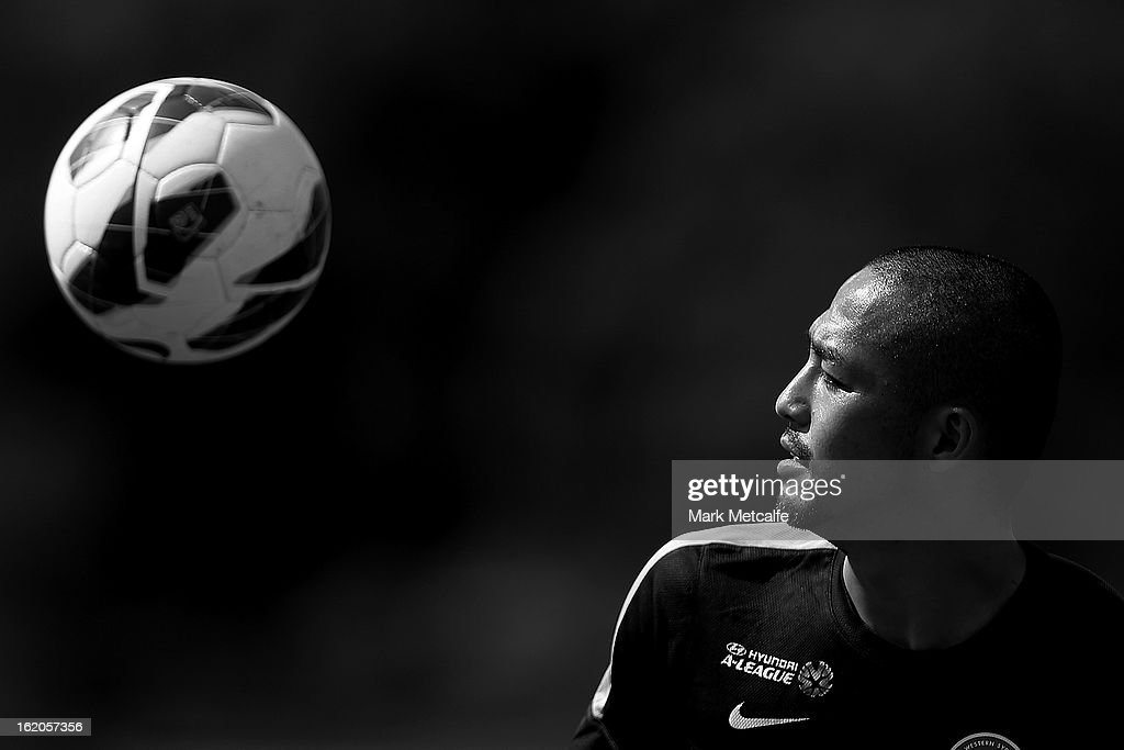 <a gi-track='captionPersonalityLinkClicked' href=/galleries/search?phrase=Shinji+Ono&family=editorial&specificpeople=550970 ng-click='$event.stopPropagation()'>Shinji Ono</a> controls the ball during a Western Wanderers A-League training session at Blacktown International Sportspark on February 19, 2013 in Sydney, Australia.