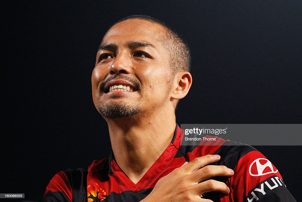 Shinji Ono of the Wanderers celebrates with fans at full time following the round 18 A-League match between the Western Sydney Wanderers and the Melbourne Heart at Parramatta Stadium on January 26, 2013 in Sydney, Australia.