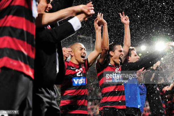 Shinji Ono of the Wanderers celebrates with team mates after victory during the AFC Asian Champions League match between the Western Sydney Wanderers...