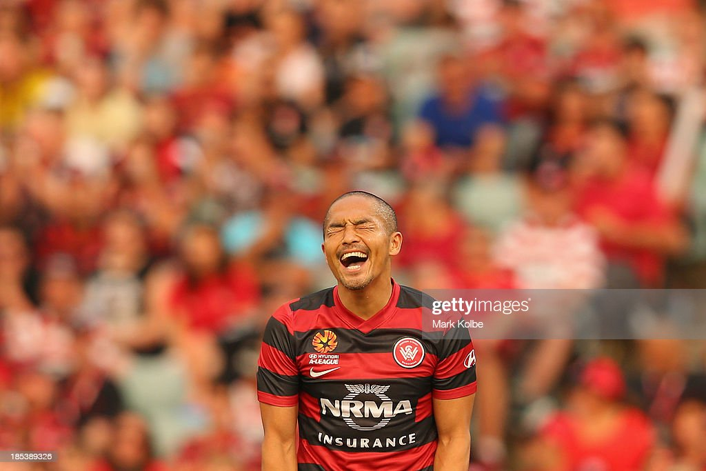 Shinji Ono of the Wanderers shows his frustration during the round two A-League match between the Western Sydney Wanderers and Wellington Phoenix at Parramatta Stadium on October 20, 2013 in Sydney, Australia.