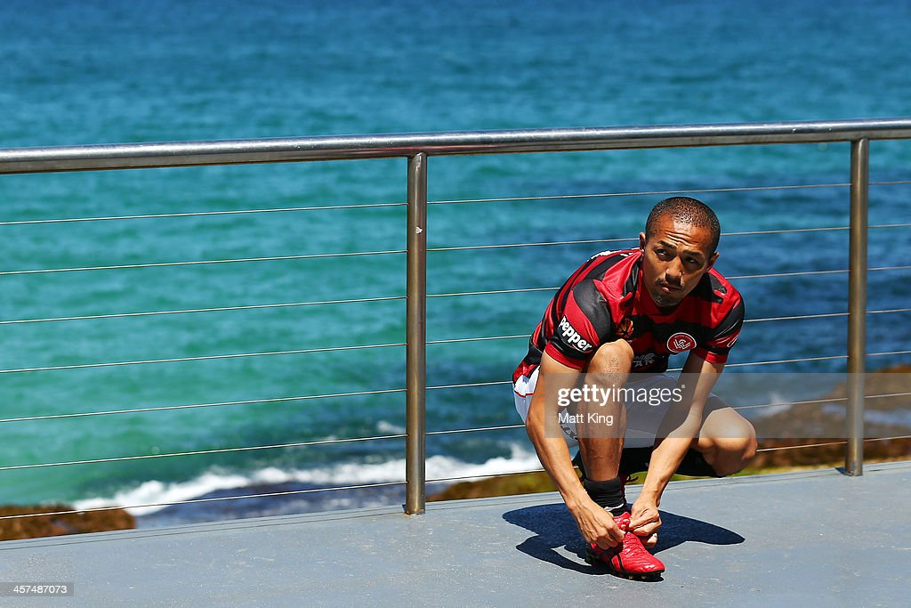 <a gi-track='captionPersonalityLinkClicked' href=/galleries/search?phrase=Shinji+Ono&family=editorial&specificpeople=550970 ng-click='$event.stopPropagation()'>Shinji Ono</a> of the Western Sydney Wanderers ties his shoelaces during the launch of the A-League's Summer of Football at Bondi Icebergs on December 18, 2013 in Sydney, Australia.