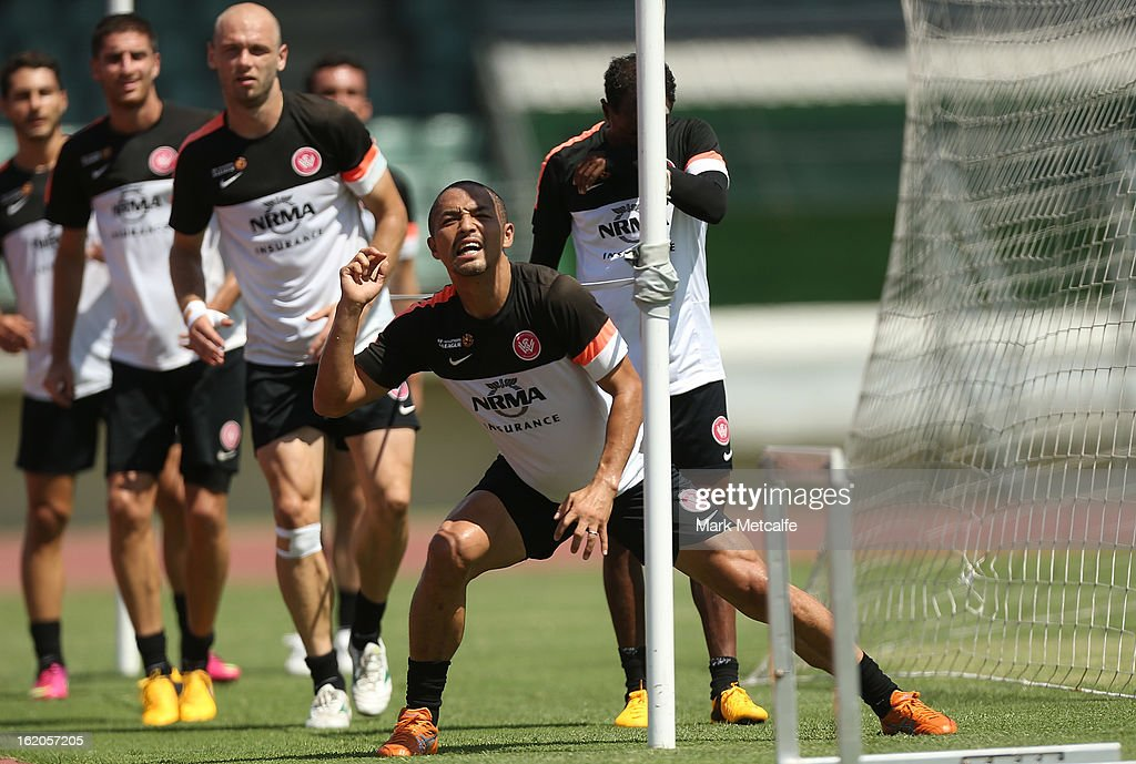 <a gi-track='captionPersonalityLinkClicked' href=/galleries/search?phrase=Shinji+Ono&family=editorial&specificpeople=550970 ng-click='$event.stopPropagation()'>Shinji Ono</a> performs a fitness drill during a Western Wanderers A-League training session at Blacktown International Sportspark on February 19, 2013 in Sydney, Australia.