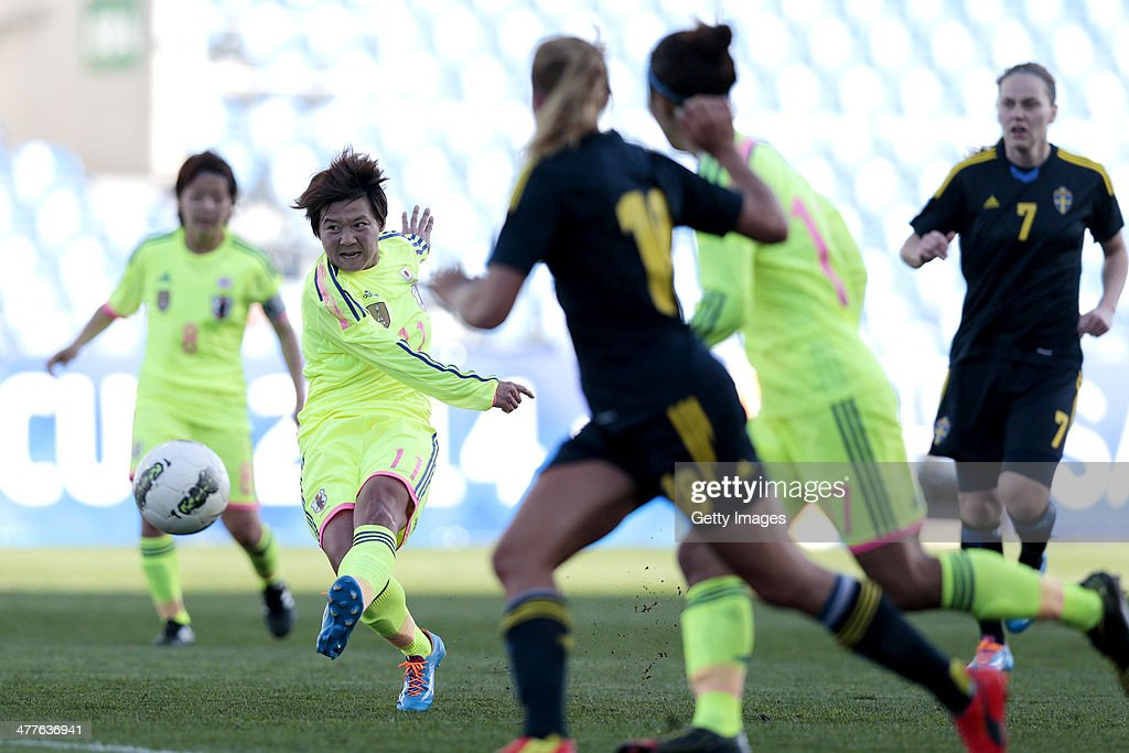 Shinobu Ohno of Japan in action during the Algarve Cup 2014 match between Japan and Sweden on March 10, 2014 in Loule, Portugal.