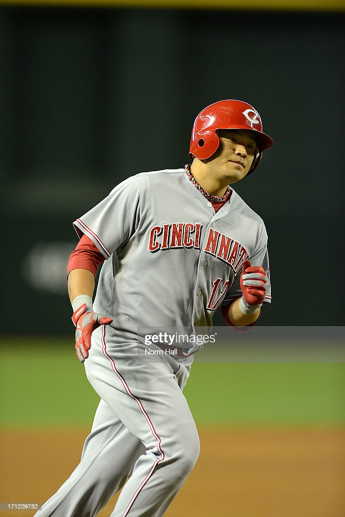 <a gi-track='captionPersonalityLinkClicked' href=/galleries/search?phrase=Shin-Soo+Choo&family=editorial&specificpeople=196543 ng-click='$event.stopPropagation()'>Shin-Soo Choo</a> #17 of the Cincinnati Reds rounds the bases after hitting a lead off home run against the Arizona Diamondbacks at Chase Field on June 23, 2013 in Phoenix, Arizona.