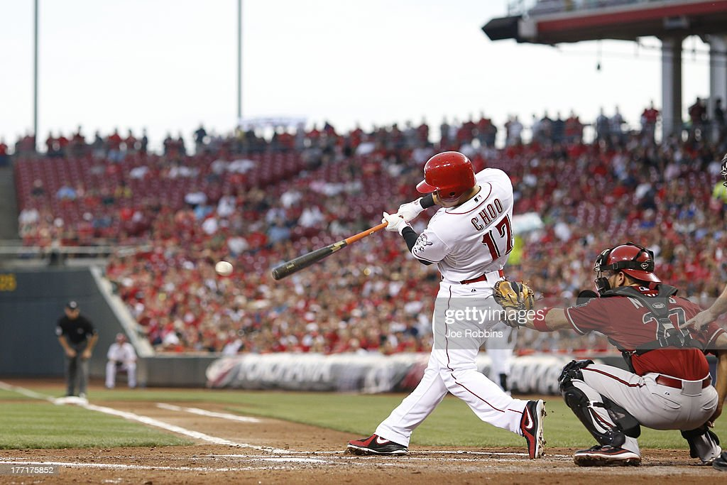 <a gi-track='captionPersonalityLinkClicked' href=/galleries/search?phrase=Shin-Soo+Choo&family=editorial&specificpeople=196543 ng-click='$event.stopPropagation()'>Shin-Soo Choo</a> #17 of the Cincinnati Reds singles to drive in two runs in the second inning of the game against the Arizona Diamondbacks at Great American Ball Park on August 21, 2013 in Cincinnati, Ohio.