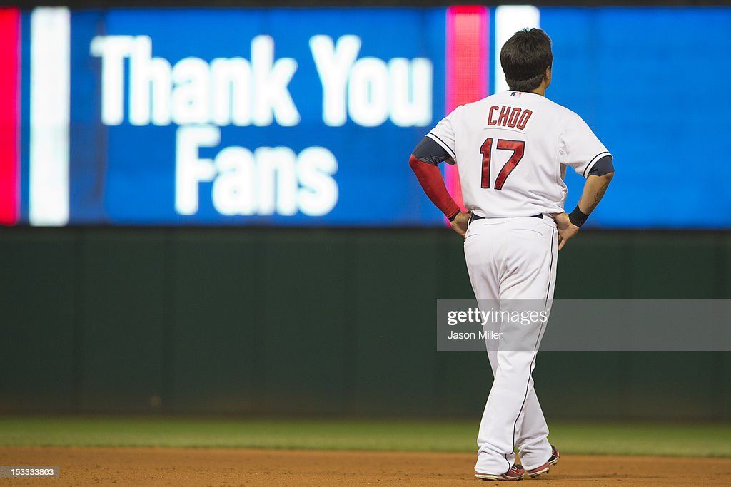 <a gi-track='captionPersonalityLinkClicked' href=/galleries/search?phrase=Shin-Soo+Choo&family=editorial&specificpeople=196543 ng-click='$event.stopPropagation()'>Shin-Soo Choo</a> #17 of the Cleveland Indians walks to the outfield after his last at bat during the eighth inning against the Chicago White Sox at Progressive Field on October 3, 2012 in Cleveland, Ohio.
