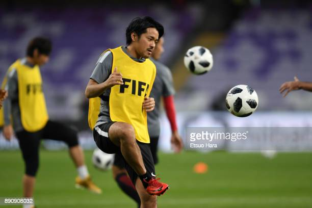 Shinzo Koroki of Urawa Red Diamonds warms up prior to the FIFA Club World Cup UAE 2017 Match for 5th Place between Wydad Casablanca and Urawa Reds at...