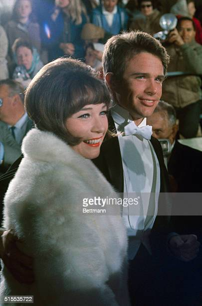 Shirley Maclaine and her brother Warren Beatty at the April 18th Academy Awards presentation