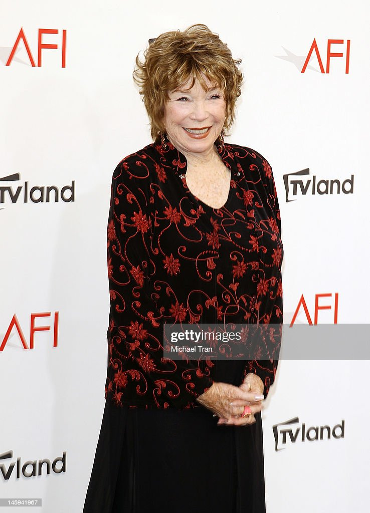 <a gi-track='captionPersonalityLinkClicked' href=/galleries/search?phrase=Shirley+MacLaine&family=editorial&specificpeople=204788 ng-click='$event.stopPropagation()'>Shirley MacLaine</a> arrives at TV Land Presents: AFI Life Achievement Award honoring <a gi-track='captionPersonalityLinkClicked' href=/galleries/search?phrase=Shirley+MacLaine&family=editorial&specificpeople=204788 ng-click='$event.stopPropagation()'>Shirley MacLaine</a> held at Sony Studios on June 7, 2012 in Los Angeles, California.