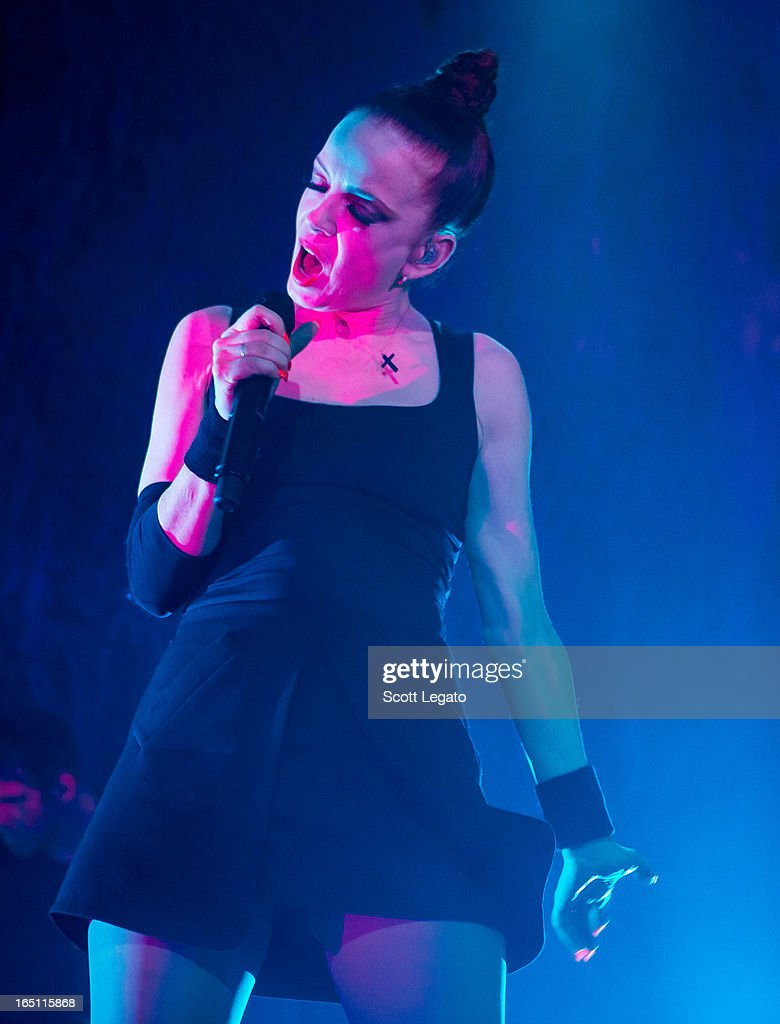 <a gi-track='captionPersonalityLinkClicked' href=/galleries/search?phrase=Shirley+Manson&family=editorial&specificpeople=202058 ng-click='$event.stopPropagation()'>Shirley Manson</a> of Garbage performs in concert at the Majestic Theater on March 30, 2013 in Detroit, Michigan.