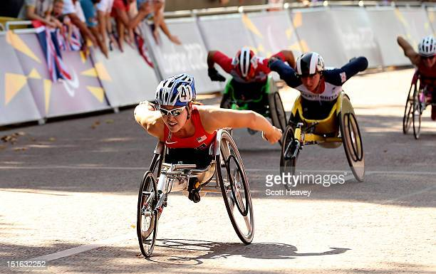 Shirley Reilly of United States in action during the T54 Women's Marathon on day 11 of the London 2012 Paralympic Games on The Mall on September 9...