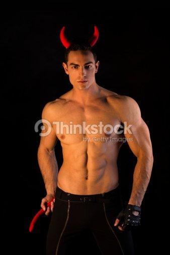 Vestito Petto Bodybuilder Uomo Nudo A Costume Con Da Muscoloso xzSABZwq