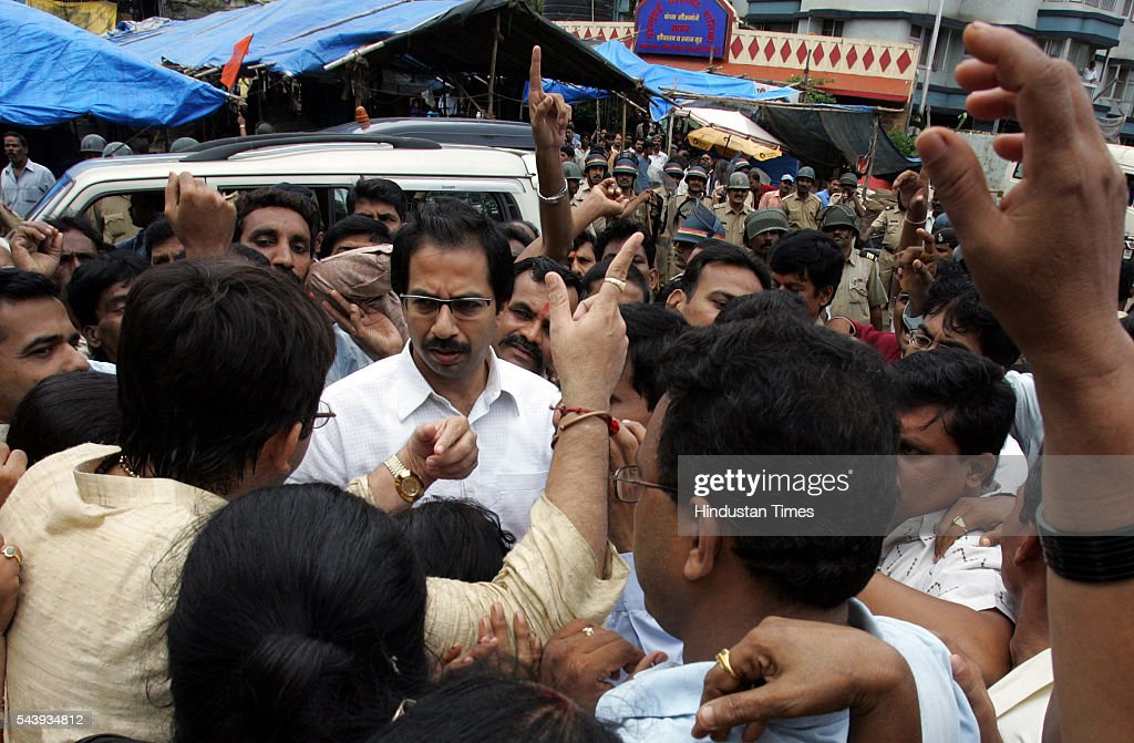 Shiv Sena activists complain to sena working president Uddhav Thackrey about police 'harassment' at Prabhadevi on sunday. Police lathi charged and arrested several sena activists who were trying to disrupt Narayan Rane first public meeting at sena's strong hold in Prabahadevi.