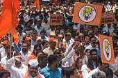 IND: Shiv Sena Leaders Protest Over Non-payment Of Crop Insurance To Farmers