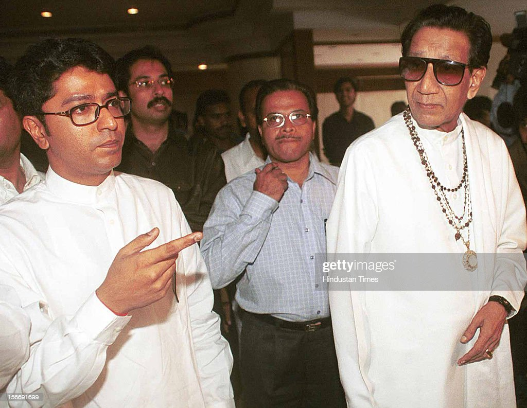 Shivsena Chief Balasaheb Thackeray (R) along with <a gi-track='captionPersonalityLinkClicked' href=/galleries/search?phrase=Raj+Thackeray&family=editorial&specificpeople=836761 ng-click='$event.stopPropagation()'>Raj Thackeray</a> and <a gi-track='captionPersonalityLinkClicked' href=/galleries/search?phrase=Uddhav+Thackeray&family=editorial&specificpeople=4252113 ng-click='$event.stopPropagation()'>Uddhav Thackeray</a> at the the Press Conference on June 10, 2002 in Mumbai, India.