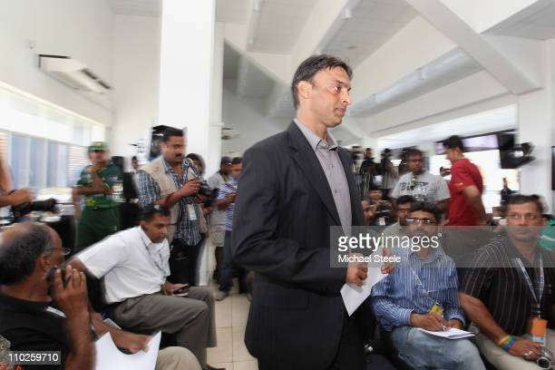 Shoaib Akhtar of Pakistan arrives at a press conference to announce his retirement from international cricket at the R Premadasa International...