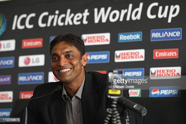 Shoaib Akhtar of Pakistan at a press conference to announce his retirement from international cricket at the R Premadasa International Stadium on...