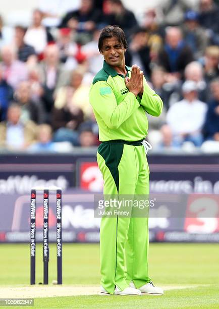 Shoaib Akhtar of Pakistan despairs during the 1st NatWest One Day International between England and Pakistan at the Emirates Durham International...