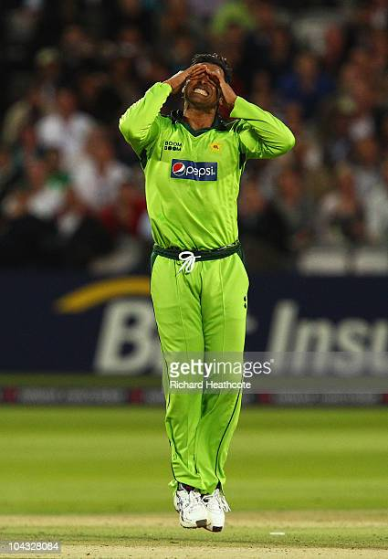 Shoaib Akhtar of Pakistan grimaces during the 4th NatWest One Day International between England and Pakistan at Lord's on September 20 2010 in London...
