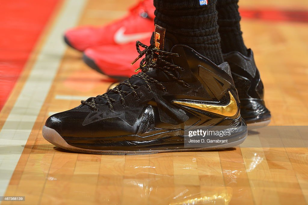 Shoes of <a gi-track='captionPersonalityLinkClicked' href=/galleries/search?phrase=LeBron+James&family=editorial&specificpeople=201474 ng-click='$event.stopPropagation()'>LeBron James</a> #6 of the Miami Heat on the court against the Chicago Bulls on December 5, 2013 at United Center in Chicago, Illinois.