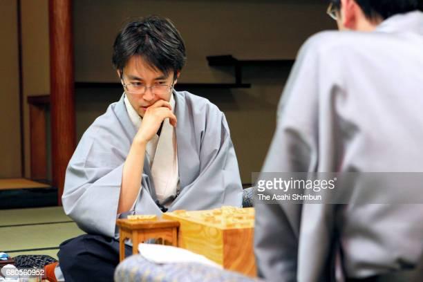 Shogi player Yoshiharu Habu explains the match after winning the match against Masataka Gouda at the Fukuju Kaikan on May 8 2009 in Fukuyama...