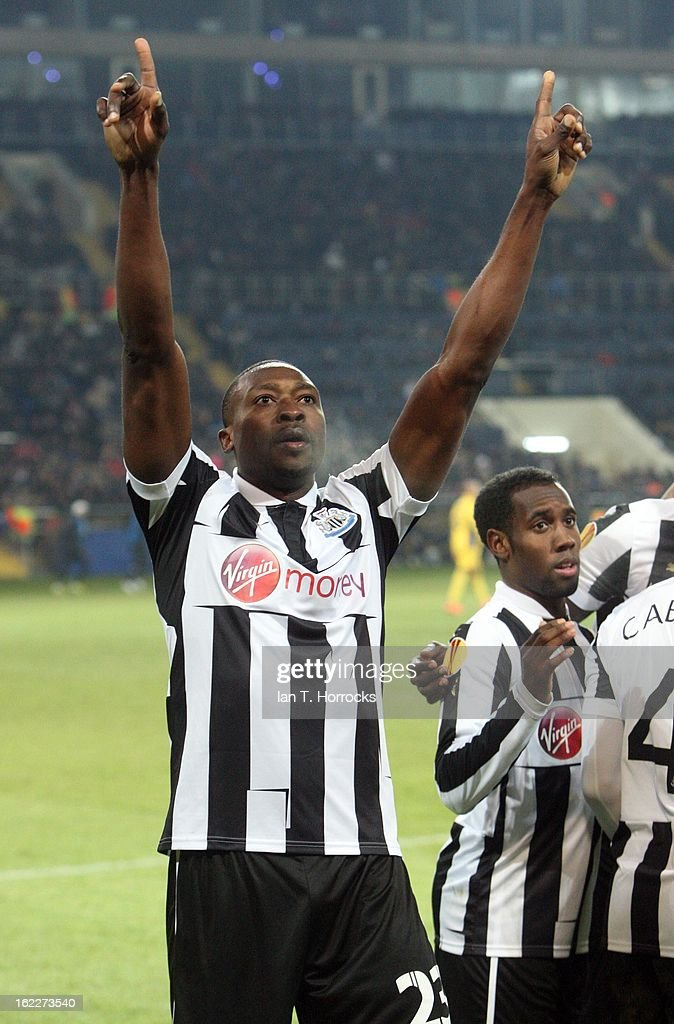 <a gi-track='captionPersonalityLinkClicked' href=/galleries/search?phrase=Shola+Ameobi&family=editorial&specificpeople=211410 ng-click='$event.stopPropagation()'>Shola Ameobi</a> of Newcastle United celebrates after scoring from the penalty spot during the UEFA Europa League round of 32 second leg match between FC Metalist Kharkiv and Newcastle United FC at Metalist Stadium, on February 21, 2013 in Kharkov, Ukraine.