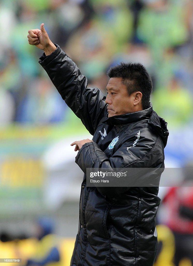 Shonan Bellmare manager Cho Kwi Jae looks on during the J.League match between Yokohama F.Marinos and Shonan Bellmare at Nissan Stadium on March 2, 2013 in Yokohama, Kanagawa, Japan.