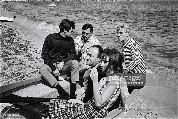 Shooting 'CENT MILLE DOLLARS AU SOLEIL' JeanPaul Belmondo Lino Ventura Henri Verneuil Reginald Kernan Andrea Parisi in France on May 05 1964