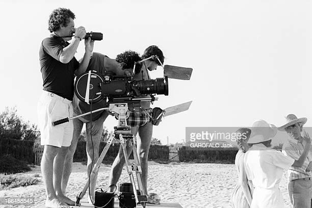 Shooting Of The Film ' Bilitis' By David Hamilton France 20 septembre 1976 Lors du tournage du film 'BILITIS' de David HAMILTON celuici debout...