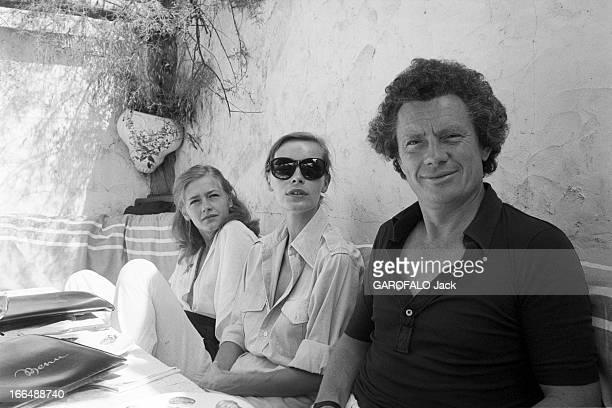 Shooting Of The Film ' Bilitis' By David Hamilton France 20 septembre 1976 Lors du tournage du film 'BILITIS' de David HAMILTON de gauche à droite...