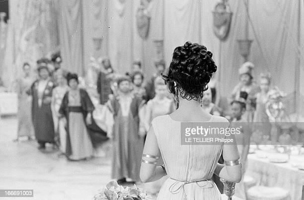 Shooting Of The Film 'Cleopatre' By Joseph L Mankiewicz Italie mars 1962 tournage d'une scène de banquet pour les besoins du film 'Cléopâtre' de...