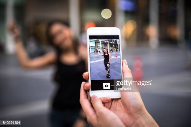 Shooting touristic pics in the city using smartphone