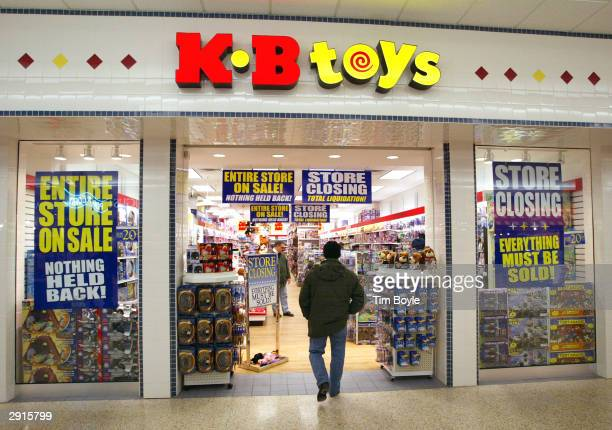 A shopper enters a closing KB Toys store January 30 2004 in Norridge Illinois Pittsfield Massachusettsbased KB Toys says it will close 375 stores...