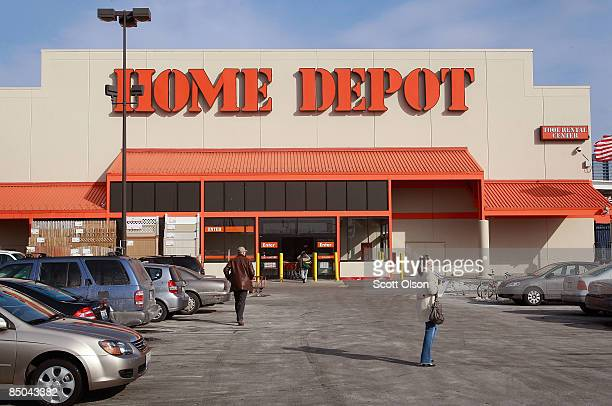 Shoppers enter a Home Depot store February 24 2009 in Chicago Illinois Home Depot today reported betterthanexpected fiscal fourthquarter loss of $54...