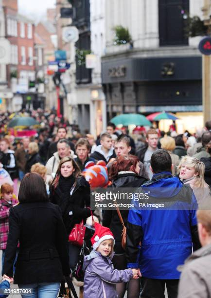 Shoppers in York city centre on the last weekend of shopping before Christmas