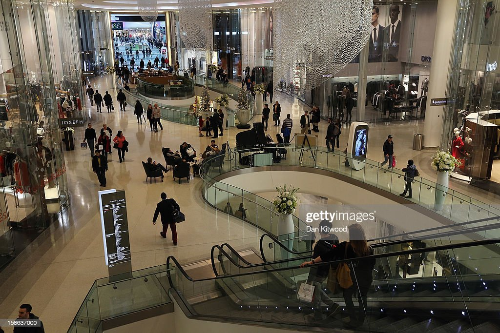 Shoppers make their way through Westfield Shopping centre in West London on December 22 2012 in London England Today is the final Saturday before...