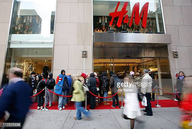 H&M Fifth Avenue Stock Photos and Pictures