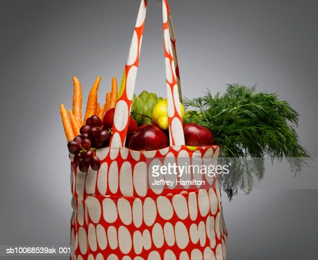 Shopping bag with fresh vegetables and fruits, close-up : Stock Photo