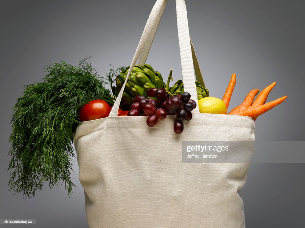 Shopping bag with fresh vegetables, close-up : Stock Photo