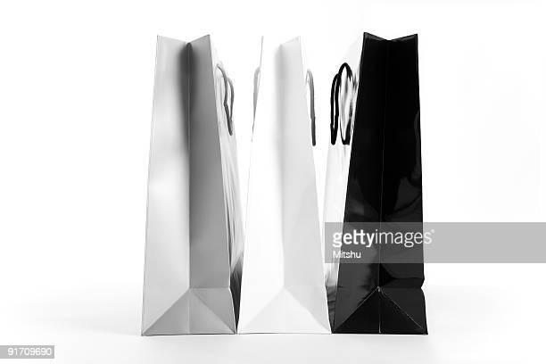 Einkaufstaschen schwarz und weiß
