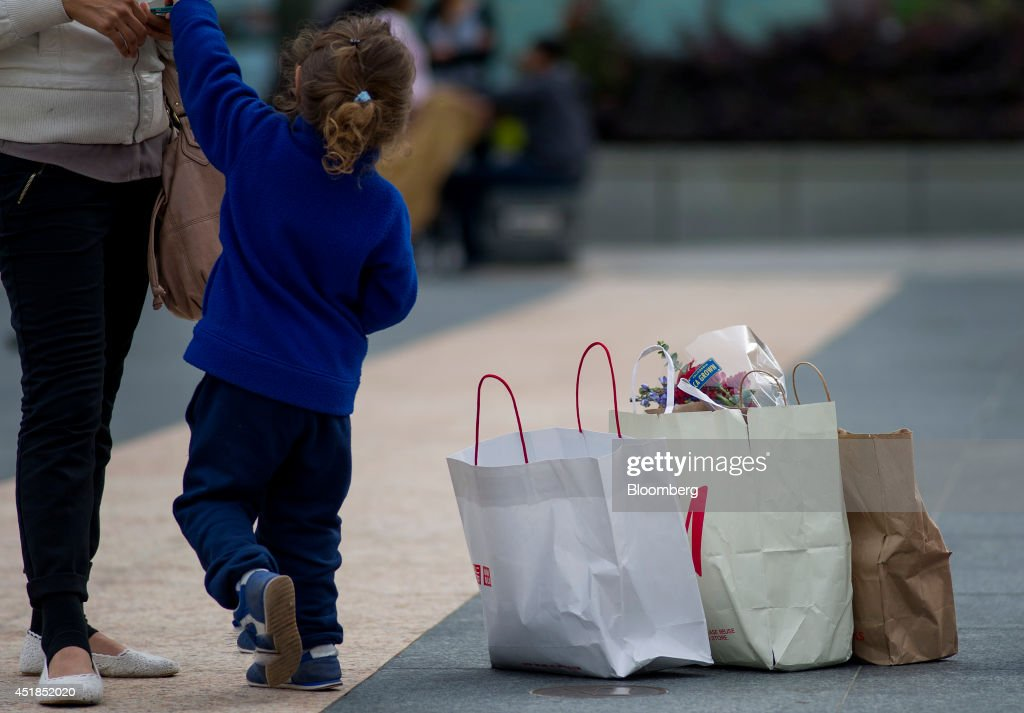 Shoppers In The Union Square Area As Retail Sales Figures Are ...