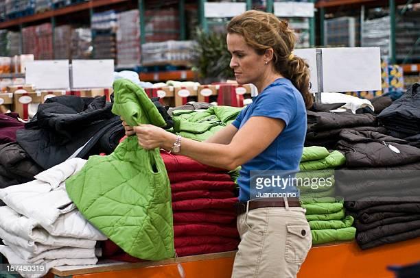 shopping vestiti foto stock