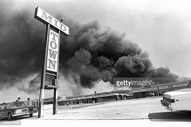 A shopping mall is burned and looted in the midcity area of Los Angeles Los Angeles has undergone several days of rioting due to the acquittal of the...