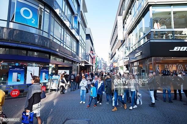 Einkaufen Personen in Hohe Straße