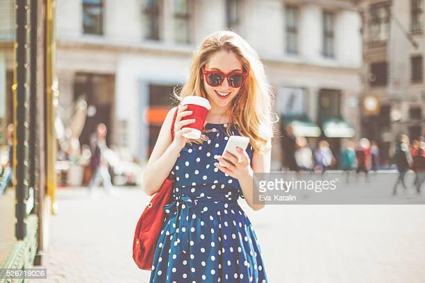 Shopping femme dans la ville